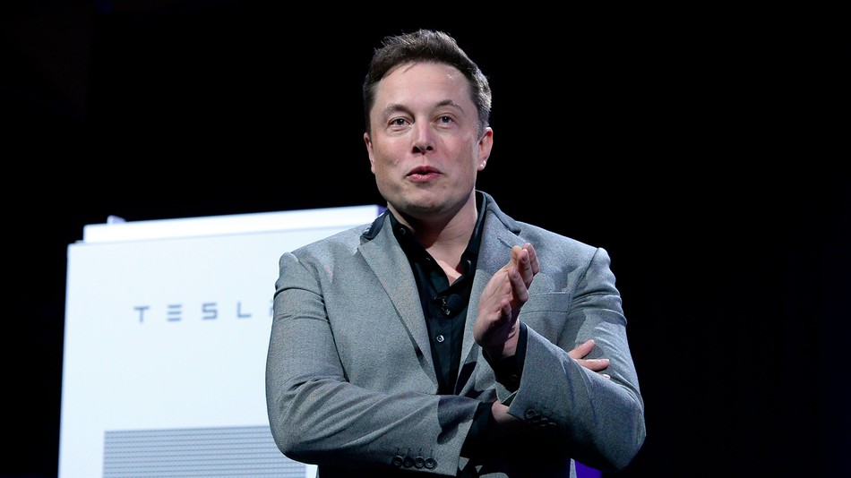 Elon Musk makes 'free battery' bet